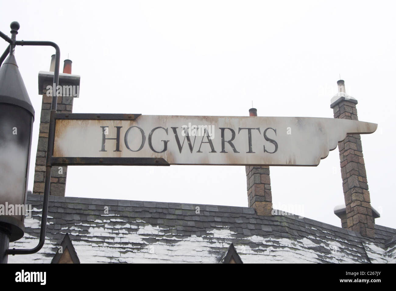 Hogwarts sign post at the Wizarding World of Harry Potter - Stock Image