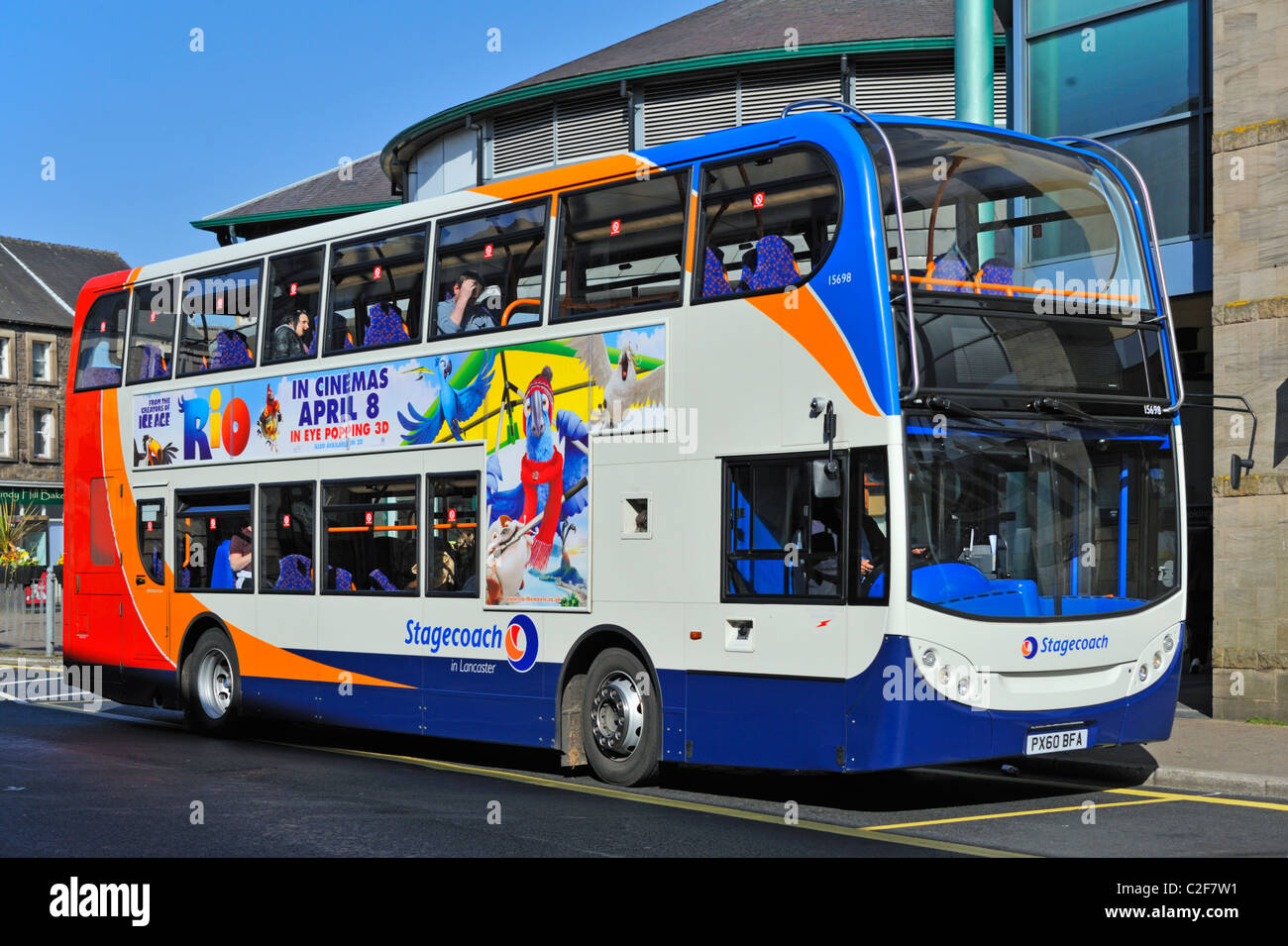 stagecoach-double-deck-bus-at-lancaster-market-common-garden-street-C2F7W1.jpg