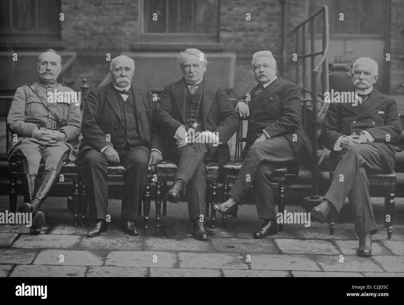 Foch, Clemenceau, Lloyd George, Orlando, Sonnino pose in world leader's conference - Stock Image