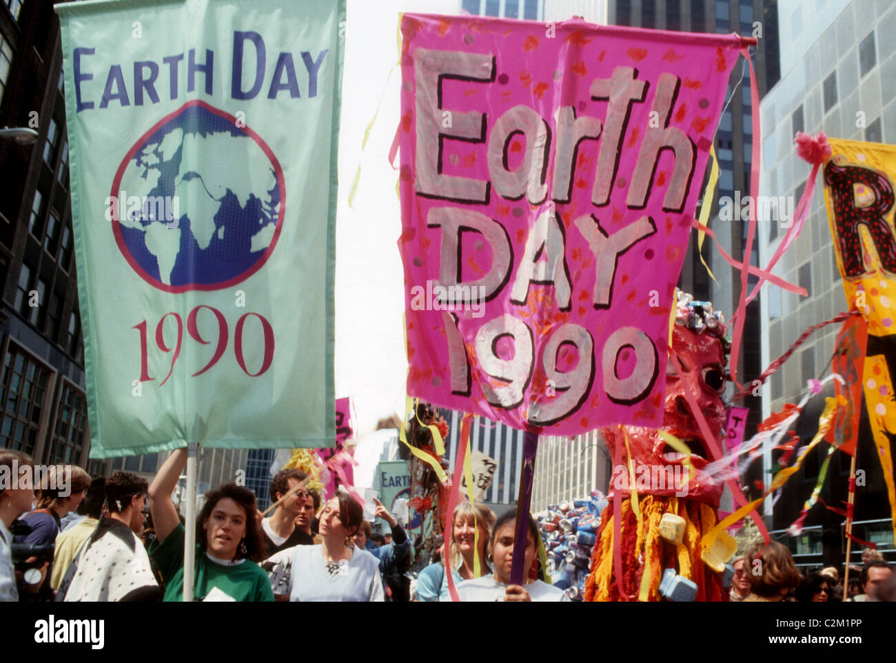 Earth Day Parade and festival in New York on Earth Day, April 22, 1990. (© Frances M. Roberts) - Stock Image