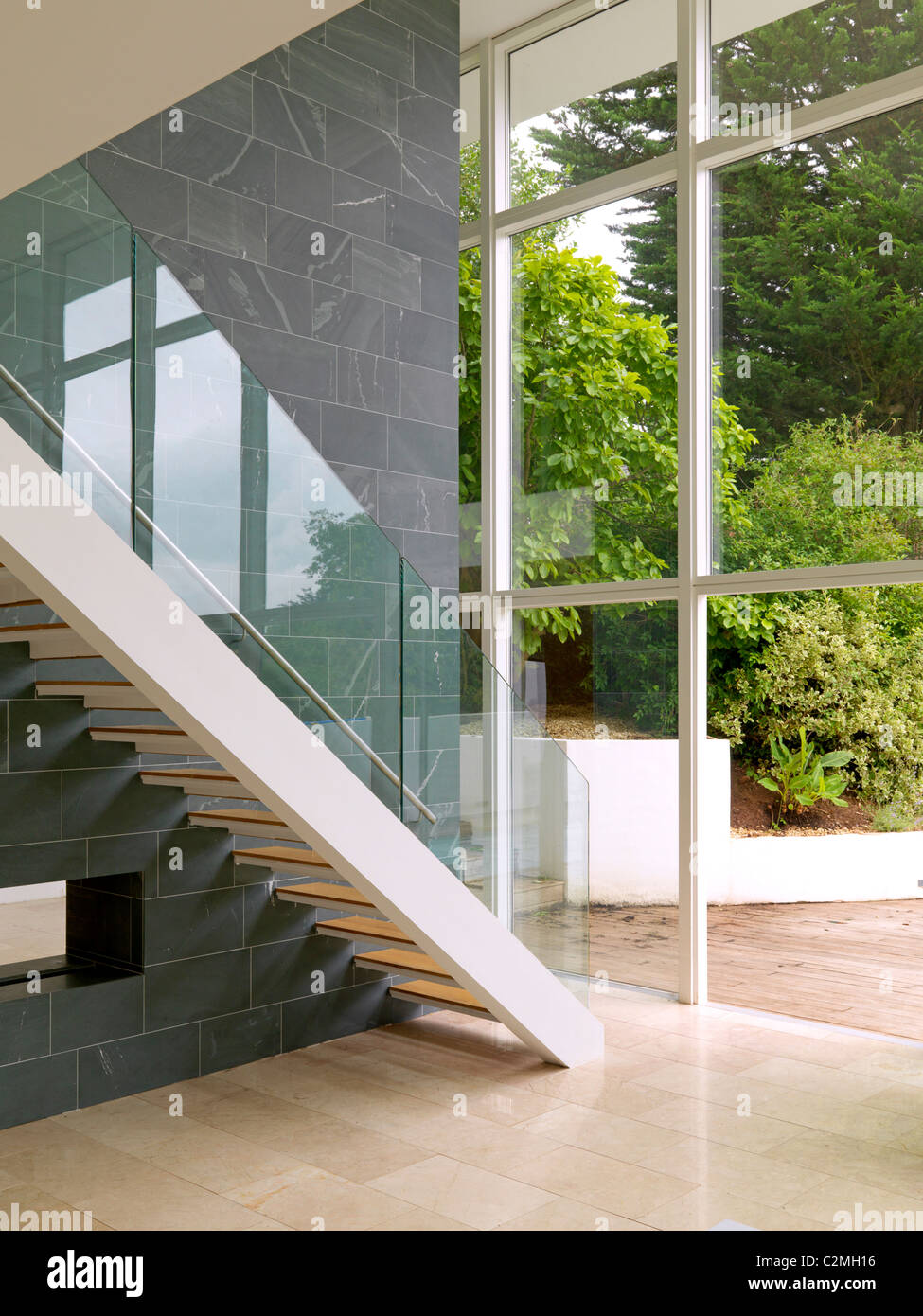 Pease House, Bristol, Private House that apperaed on Grand Designs - Dubbed the Modernist Sugar Cube. - Stock Image