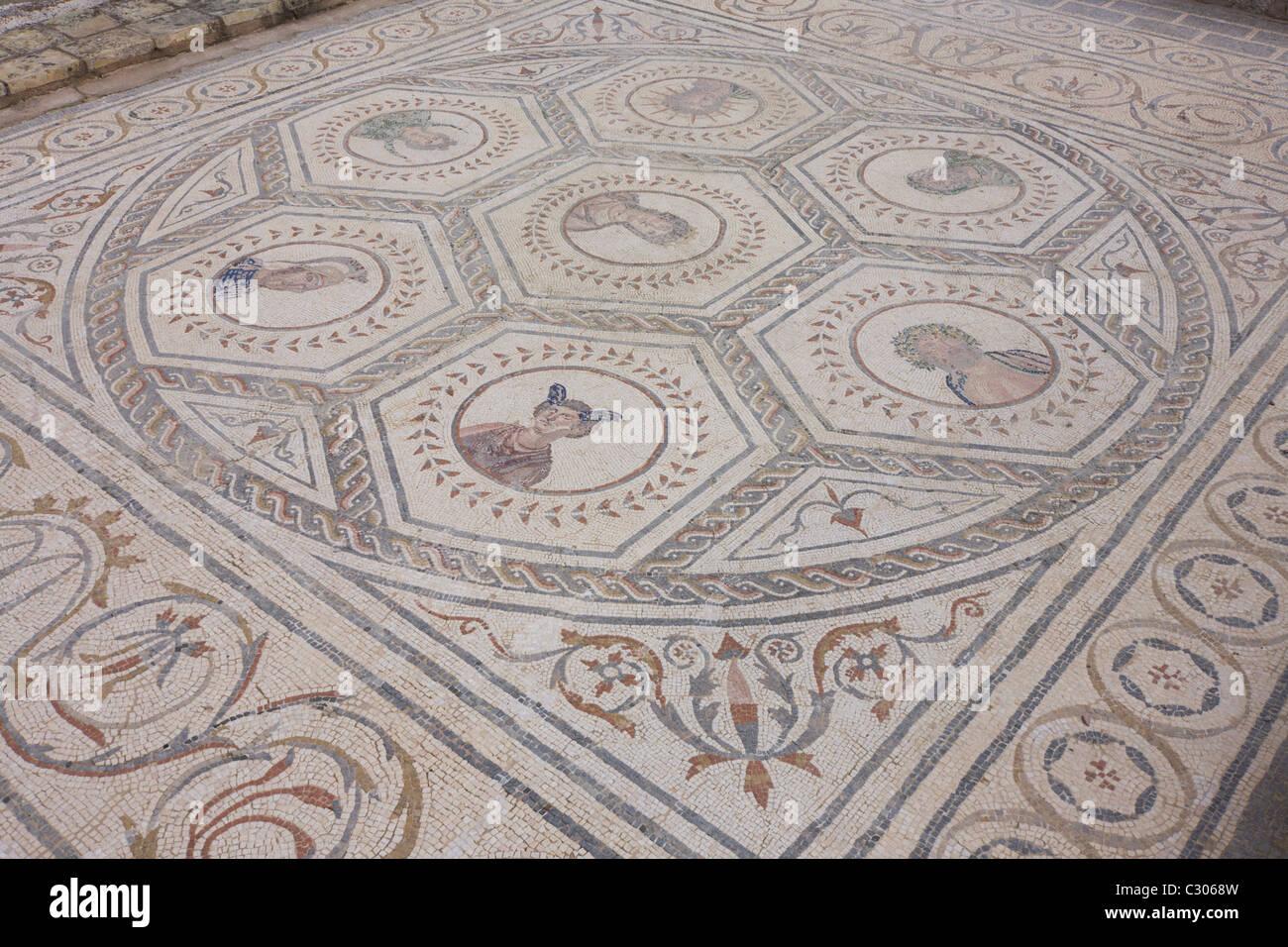 mosaic-representations-of-roman-celestia