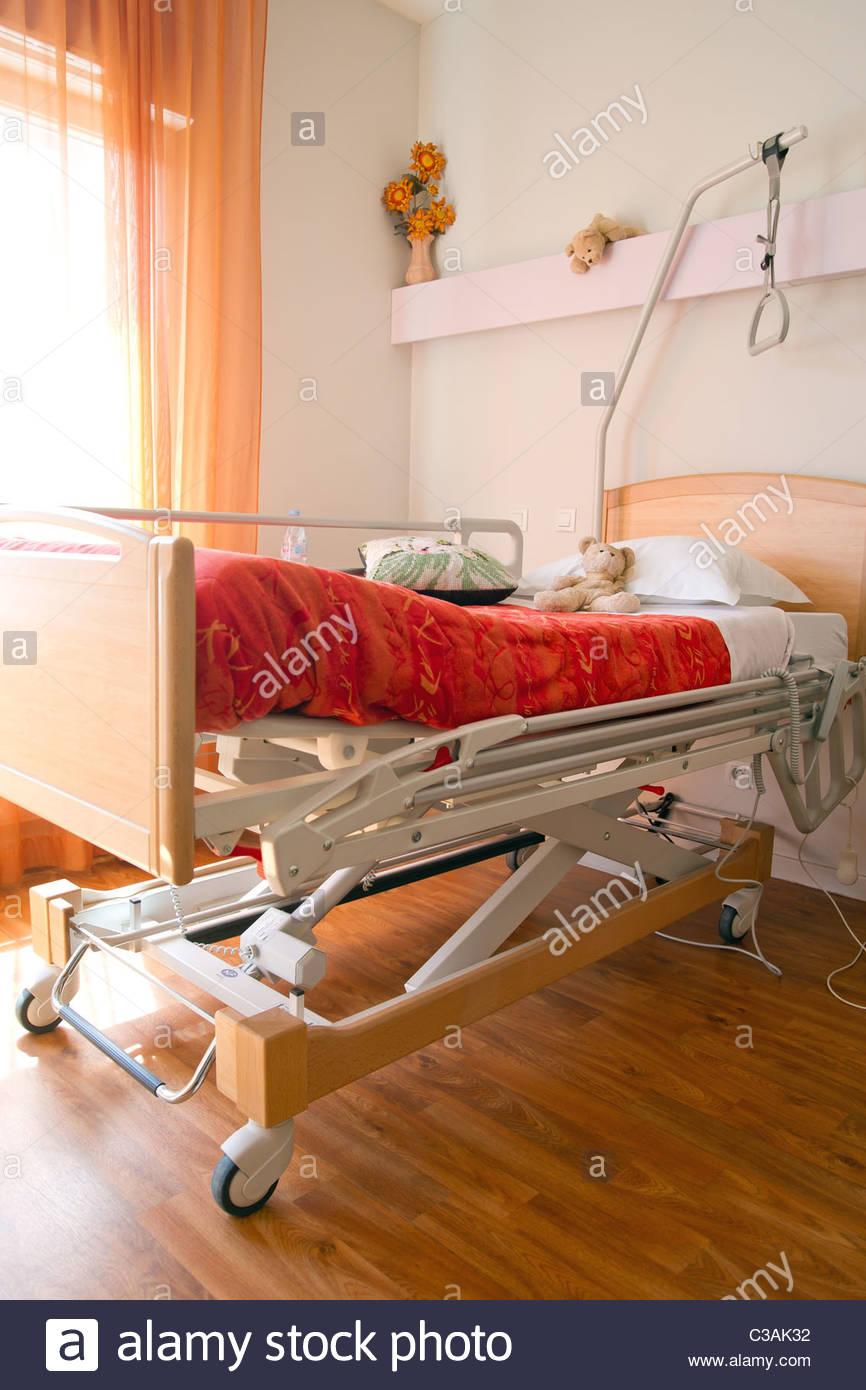 hospital-bed-C3AK32.jpg