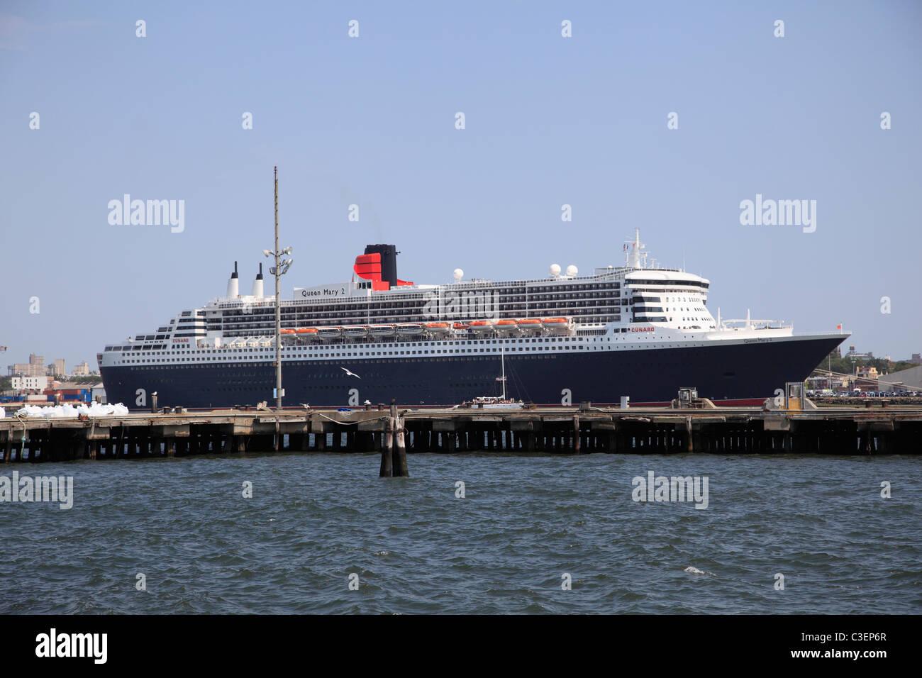 Qm2 Cruise Liner Stock Photos Amp Qm2 Cruise Liner Stock