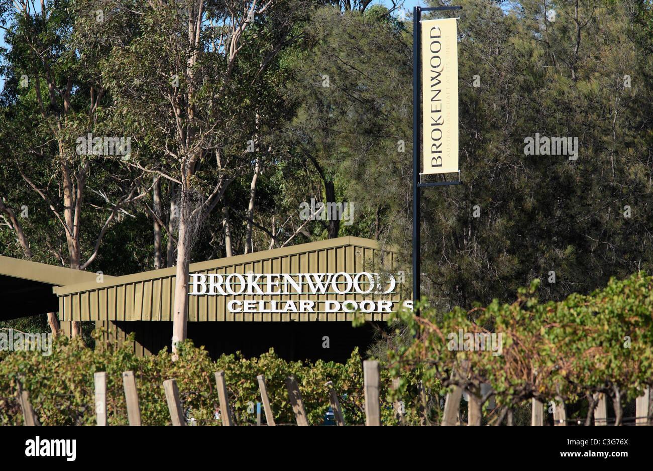 cellar-door-brokenwood-wines-pokolbin-hunter-valley-new-south-wales-C3G76X.jpg
