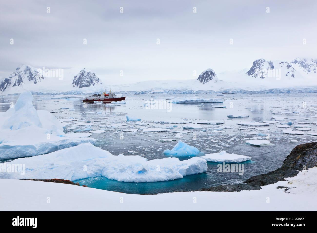 South Atlantic Ocean, Antarctica, Antarctic Peninsula, Lemaire Channel, Yalour Islands, Polar Star icebreaker cruise - Stock Image