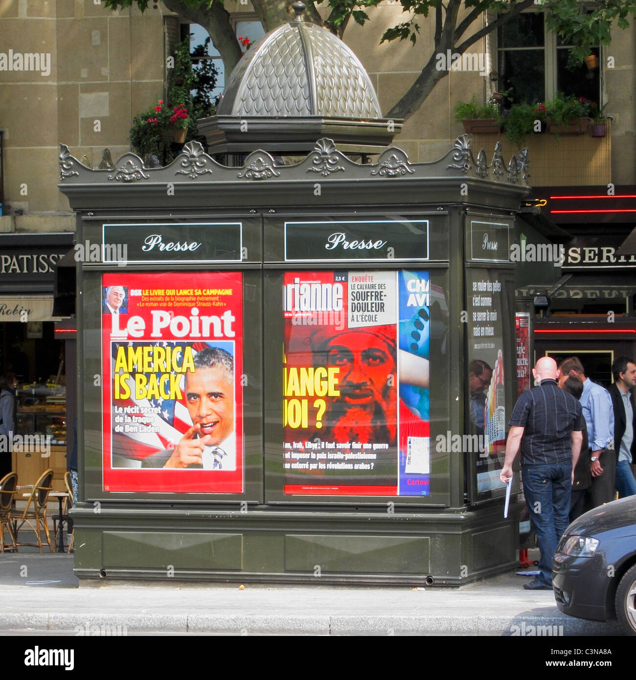 Paris, France, French Advertising on News kiosk on Street, Obama Magazine Cover - Stock Image