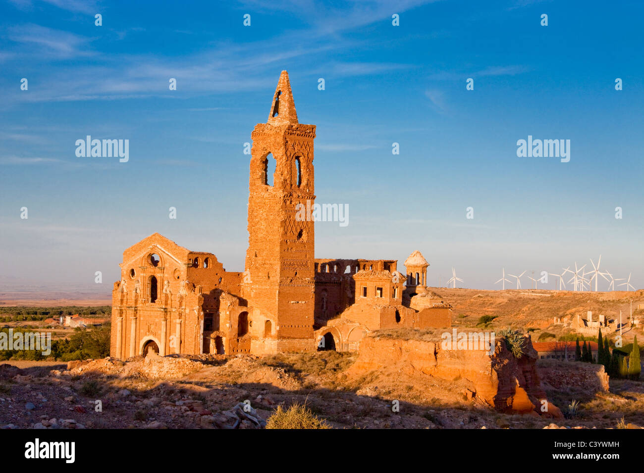Spain, Europe, Aragon, wind farm, wind energy, wind turbine, energy, Belchite, ecological, ruins, tower, rook, old, - Stock Image