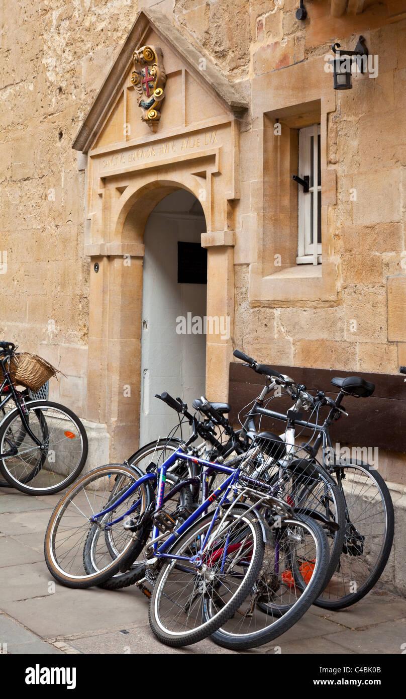Bicycles outside St Edmund Hall, Oxford University, Oxfordshire, England, UK, Great Britain - Stock Image