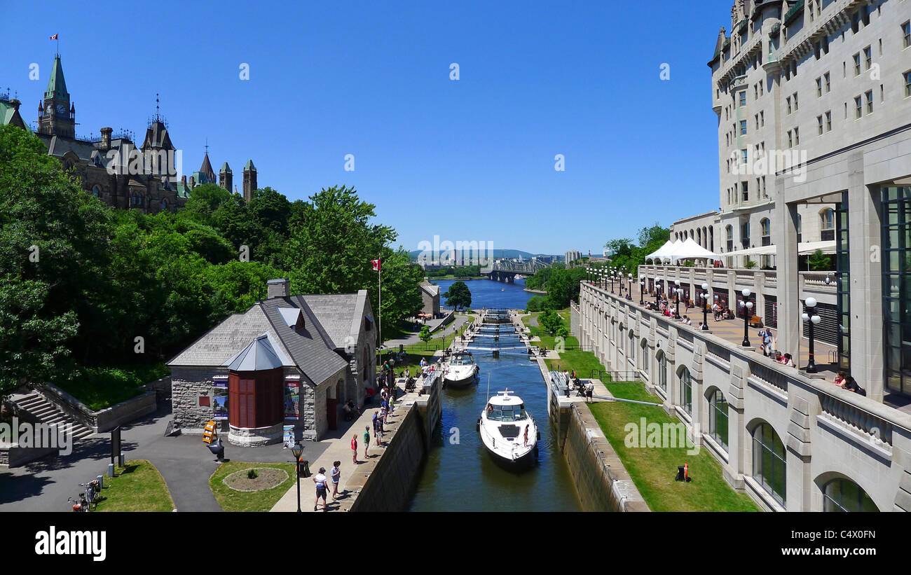 Canadian Cities, Rideau Canal and Parliament Buildings, Ottawa Ontario Canada. - Stock Image