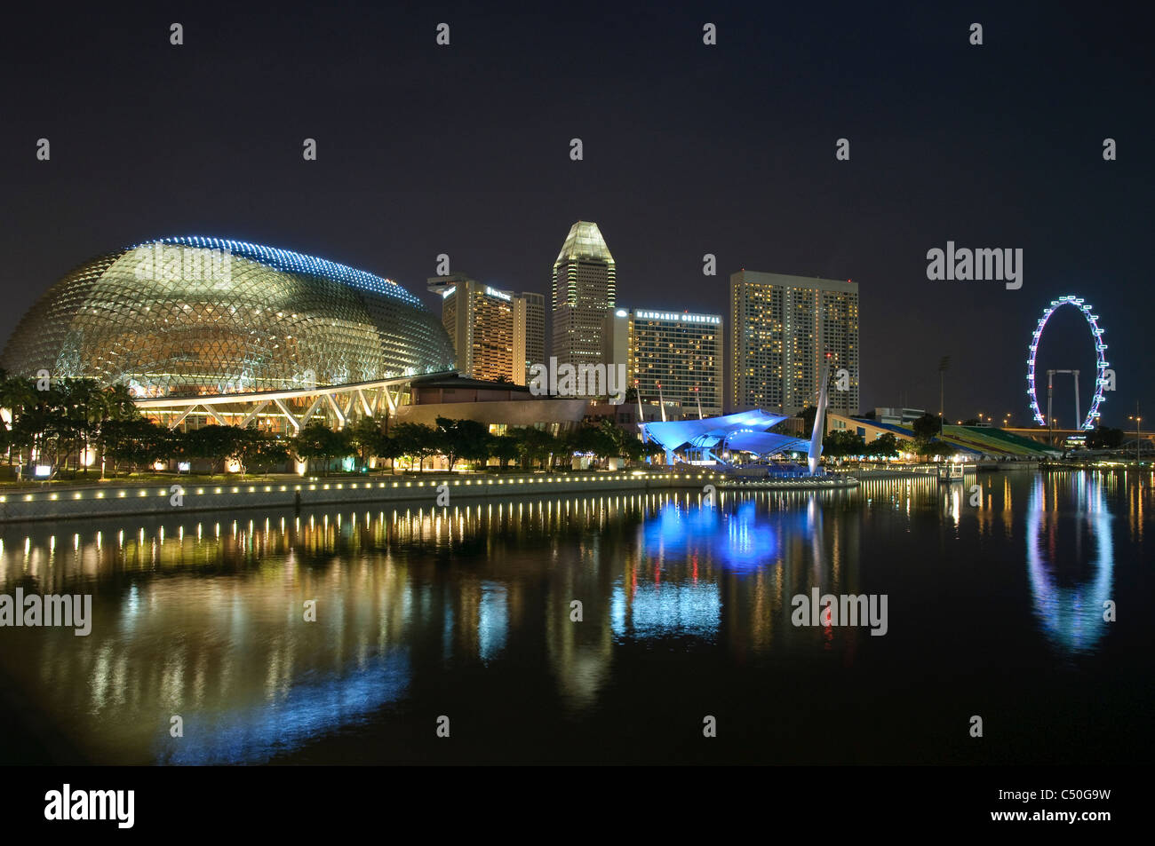 Esplanade Concert Hall at Marina Bay, skyline with Singapore Flyer, night, Singapore, Southeast Asia, Asia - Stock Image