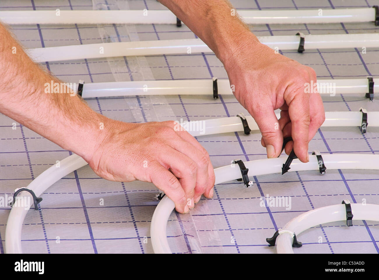 Fußbodenheizung Verlegen ~ Fussbodenheizung verlegen install under slab heating stock