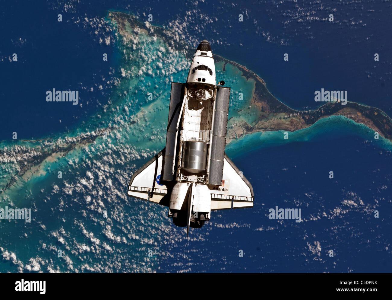 Space Shuttle Atlantis Atlantis Stock Photos & Space ...