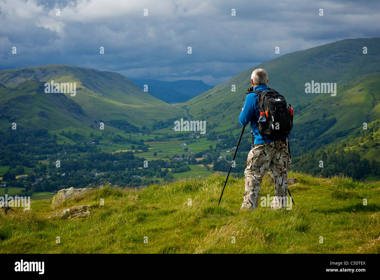 view-of-grasmere-village-helm-crag-and-dunmail-raise-from-the-viewpoint-C5DTEX.jpg