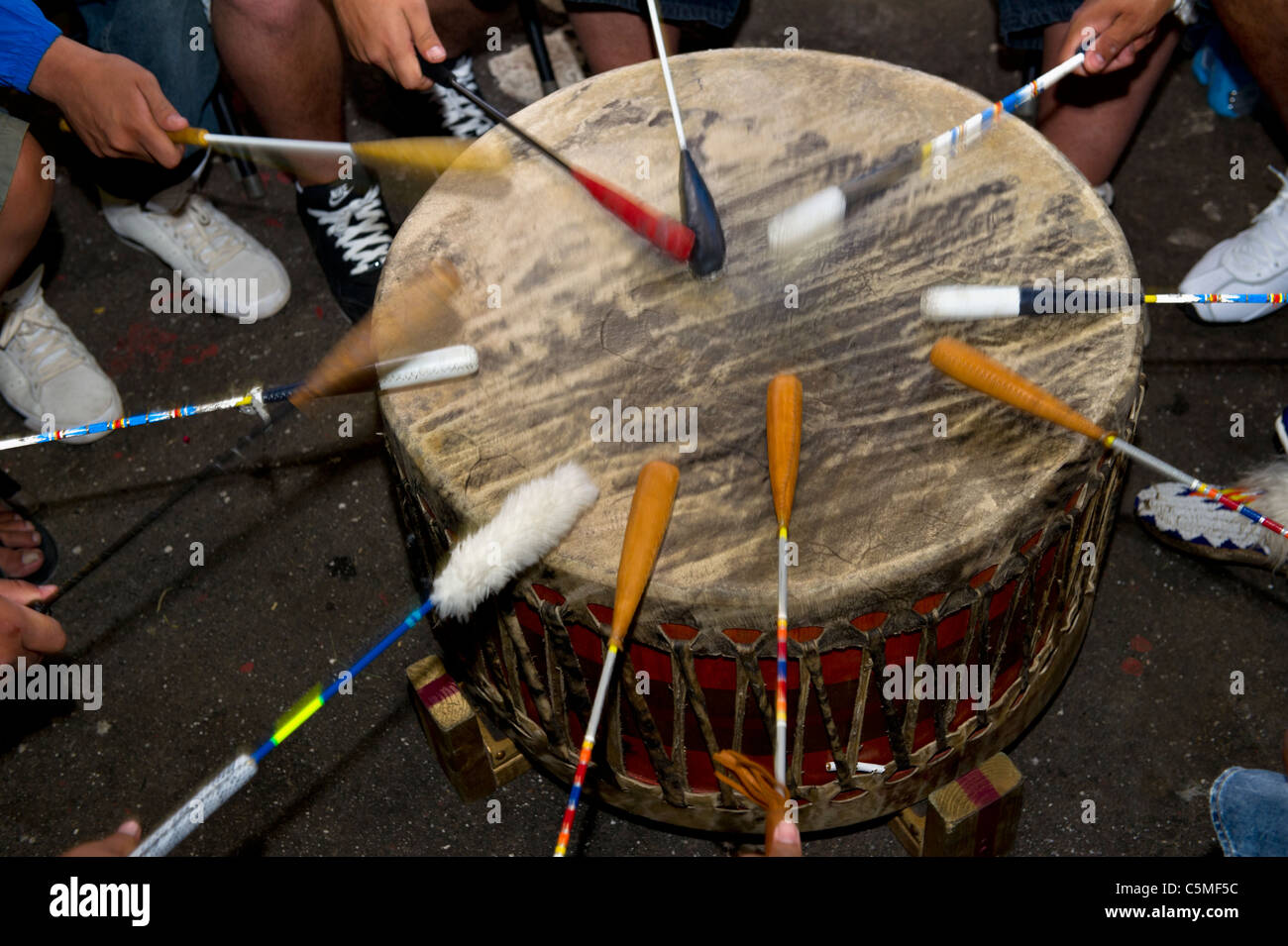 native-drummers-at-the-tsuu-tina-annual-celebration-west-of-calgary-C5MF5C.jpg