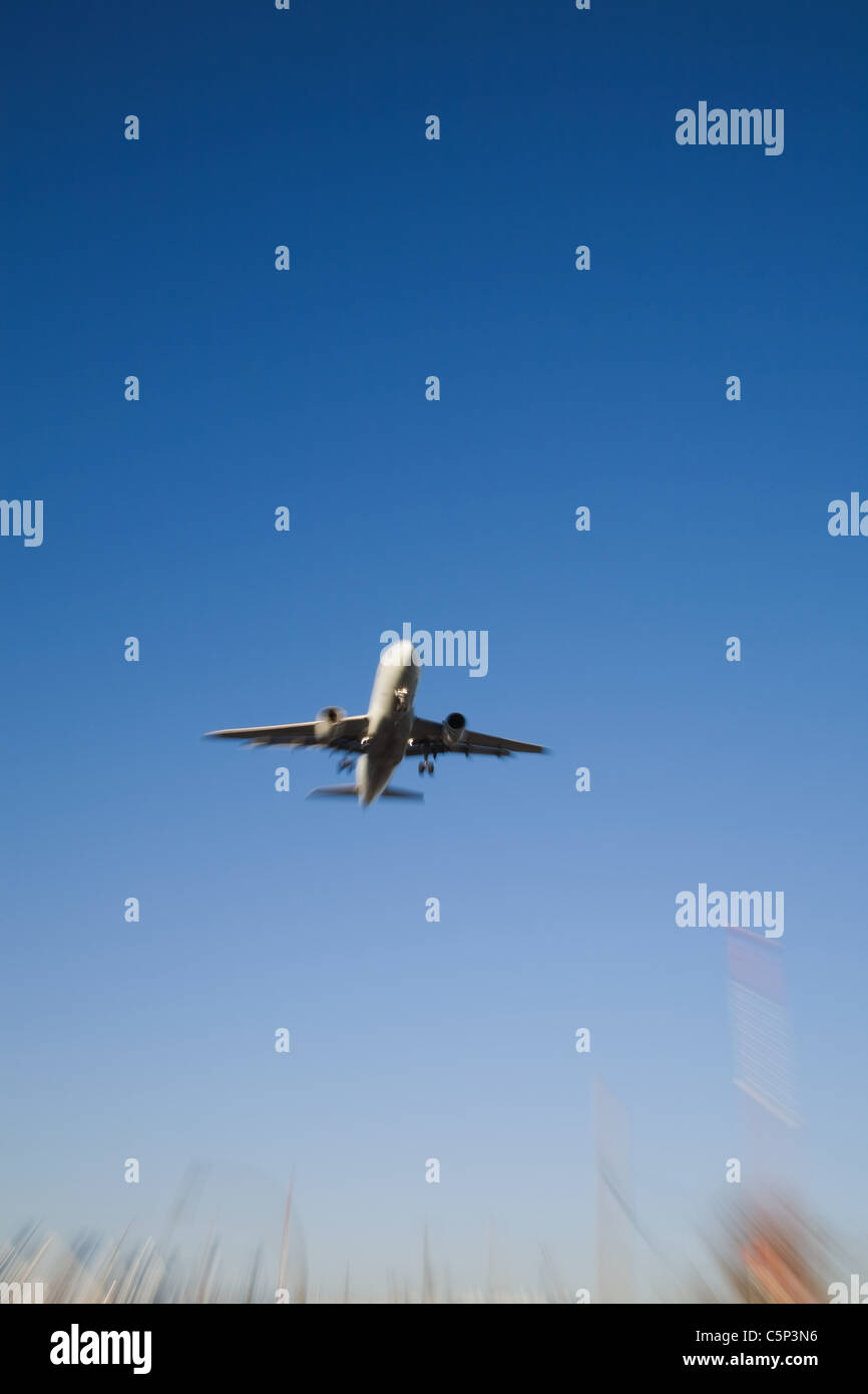 Airplane in flight - Stock Image