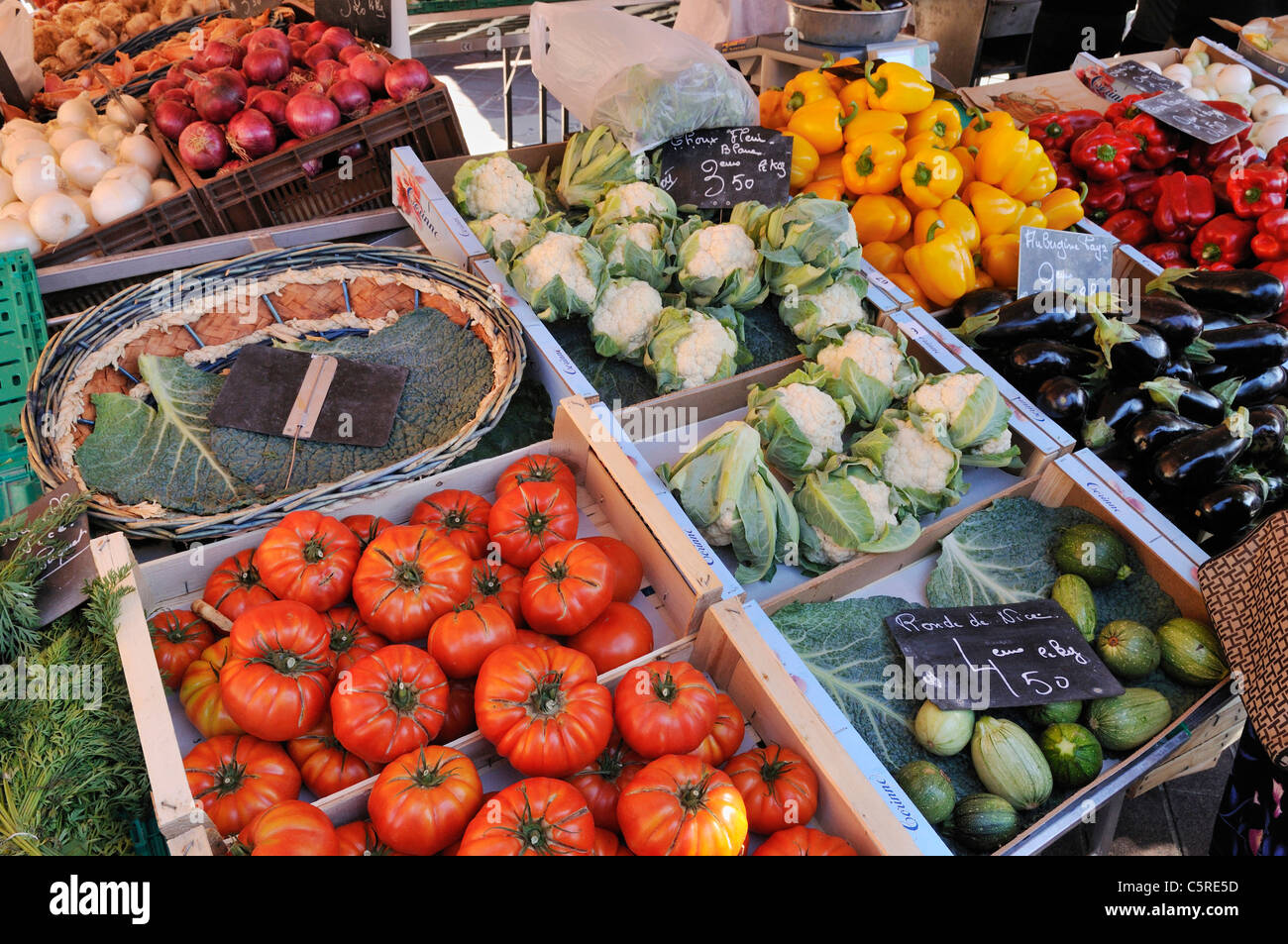 Europe, France, Provence, Alpes Maritimes, Cote d'Azur, Nice, Various fresh vegetables on market stall - Stock Image