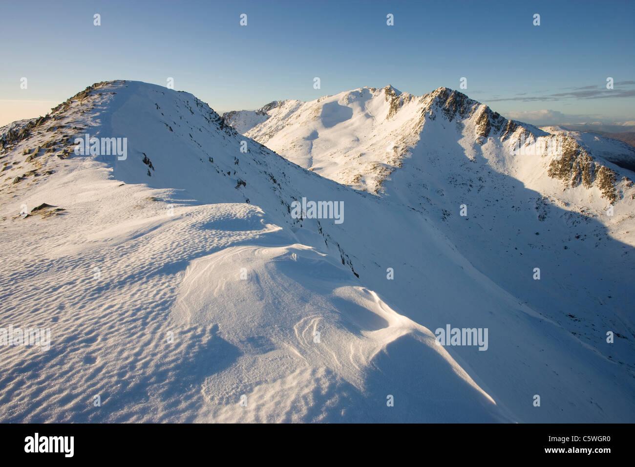 Faochag (The Whelk) and Forcan Ridge in winter, Glen Shiel, Scotland, Great Britain. - Stock Image