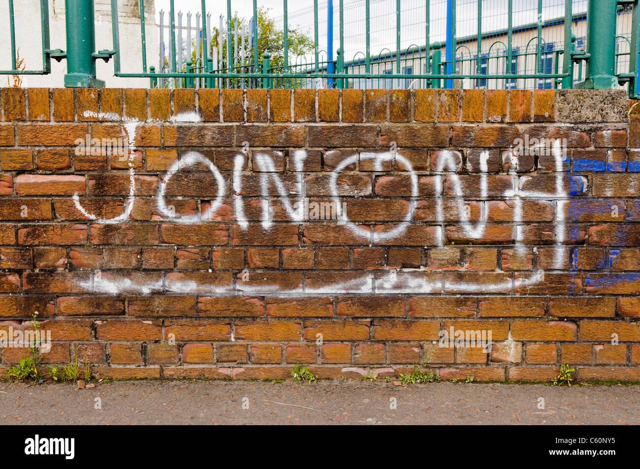 graffiti calling on people to join Óglaigh na hÉireann onh stock