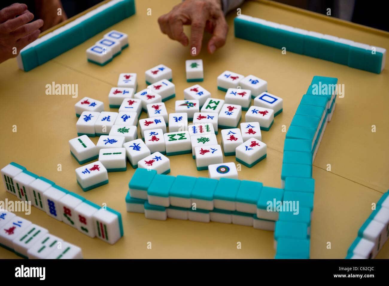 playing-mahjong-in-calgarys-chinatown-C62CJC.jpg