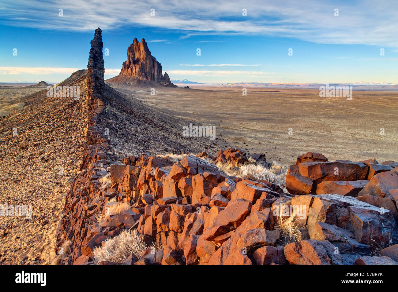 Shiprock Rock and black dike ridge, New Mexico, USA - Stock Image