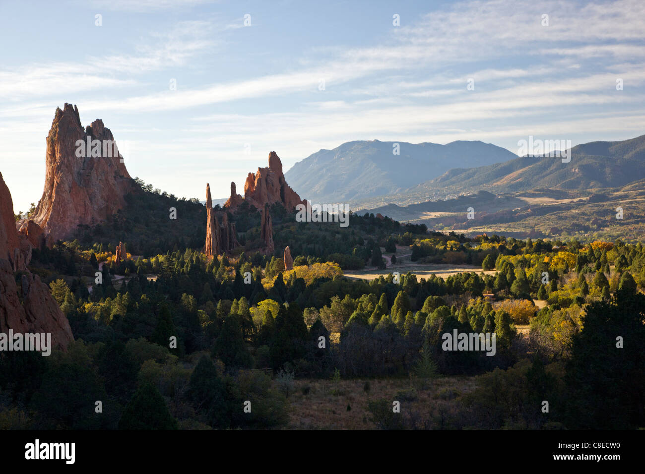 South Gateway Rock, Cathedral Spires and Three Graces, Garden of the Gods.  Nat'l Natural Landmark, Colorado - Stock Image