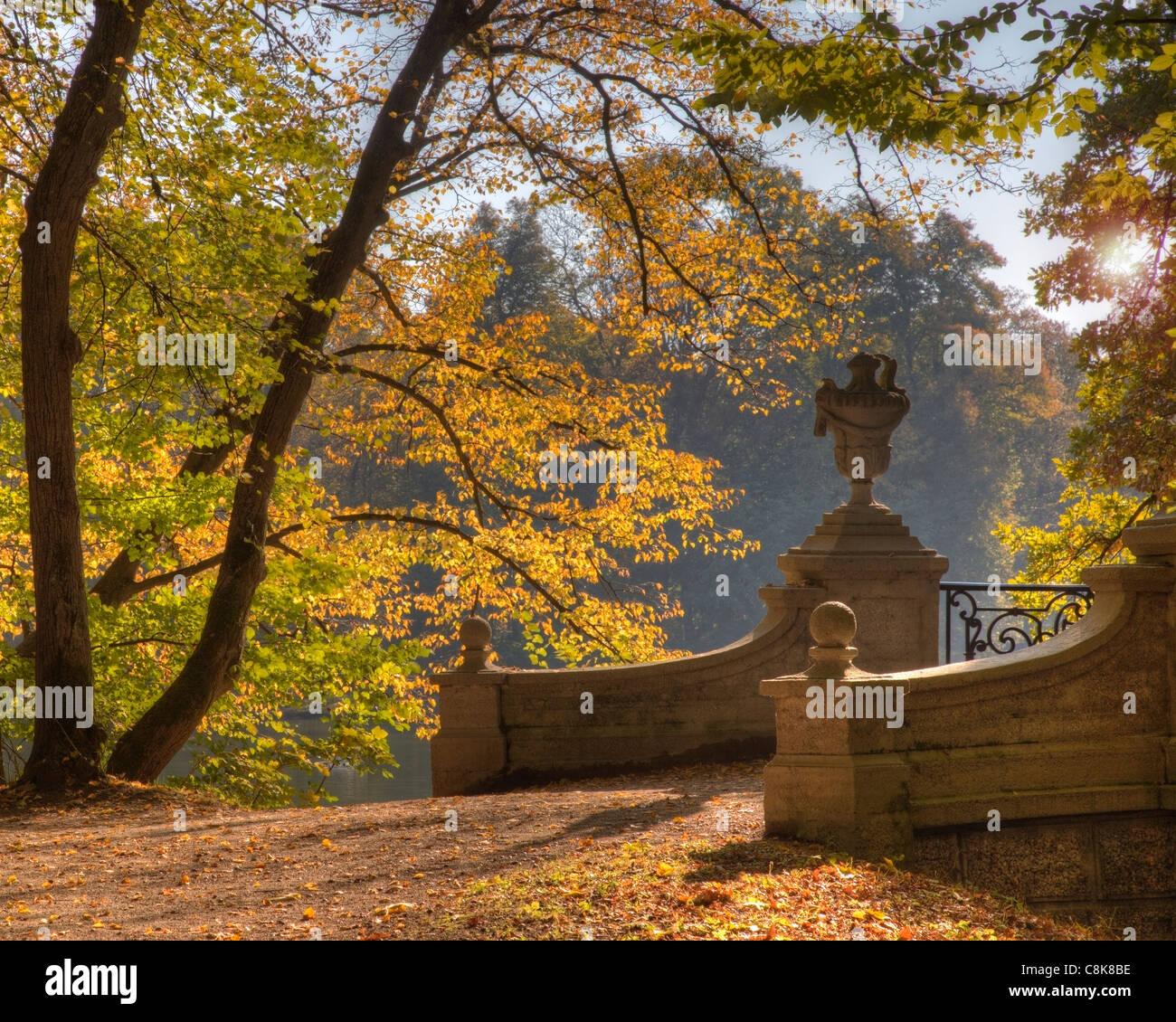 DE - BAVARIA: Autumn in Nymphenburg Palace Park, Munich - Stock Image