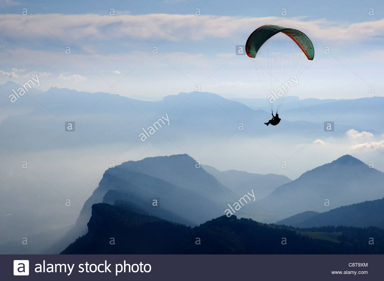 parapenting-in-the-chartreuse-region-of-the-french-alps-C8T9XM.jpg