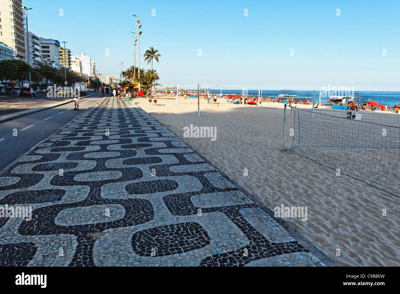 Patterned Walkway of Ipanema Beach, Rio de Janeiro, Brazil - Stock Image