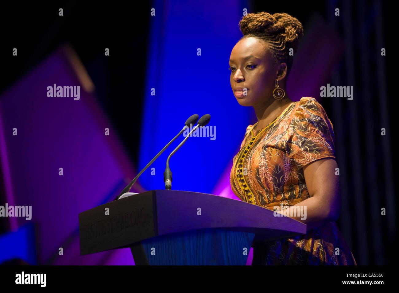 chimamanda-ngozi-adichie-nigerian-author-giving-the-commonwealth-lecture-CA5560.jpg