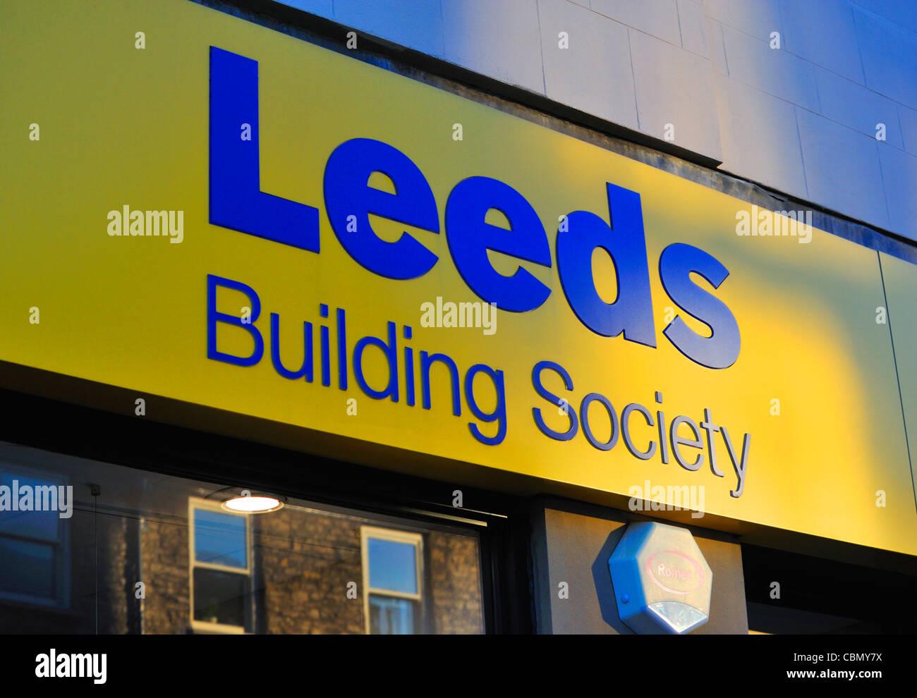 leeds-building-society-logo-stricklandgate-kendal-cumbria-england-CBMY7X.jpg