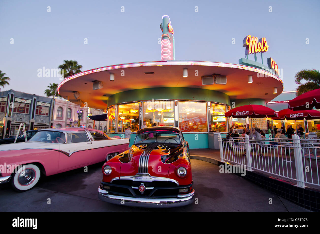 Mel\'s Drive-In restaurant with classic cars at twilight Universal ...