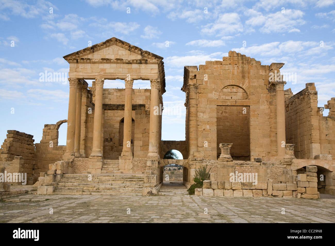 Roman temples at Sufetula, Tunisia. - Stock Image