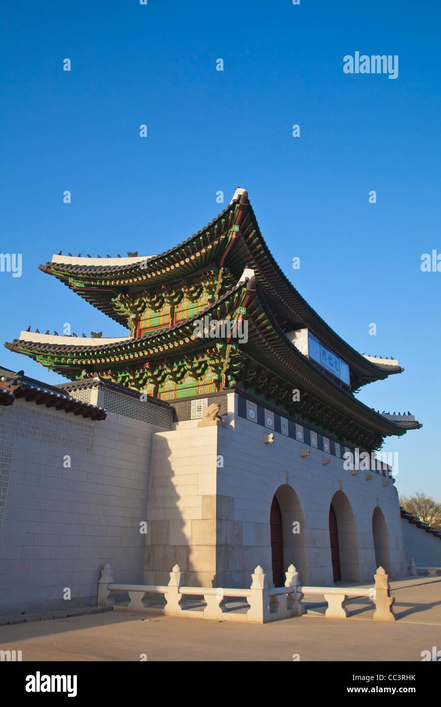 Korea, Seoul, Gyeongbokgung Palace, Gwanghwamun - the main gate of the Palace - Stock Image
