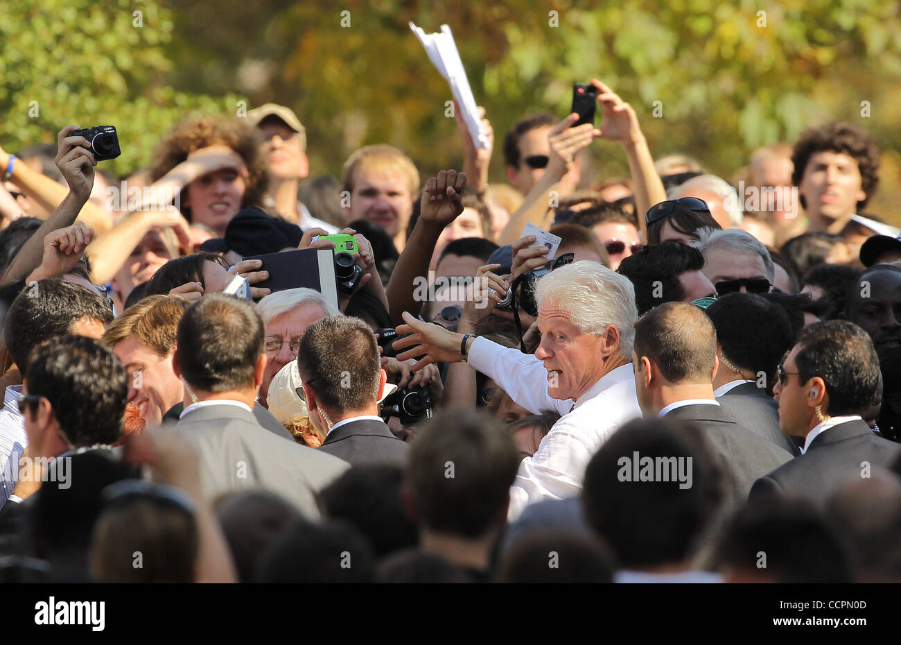 October 11, 2010 - Lexington, Kentucky, USA. - President BILL CLINTON greets students, faculty and staff after he - Stock Image