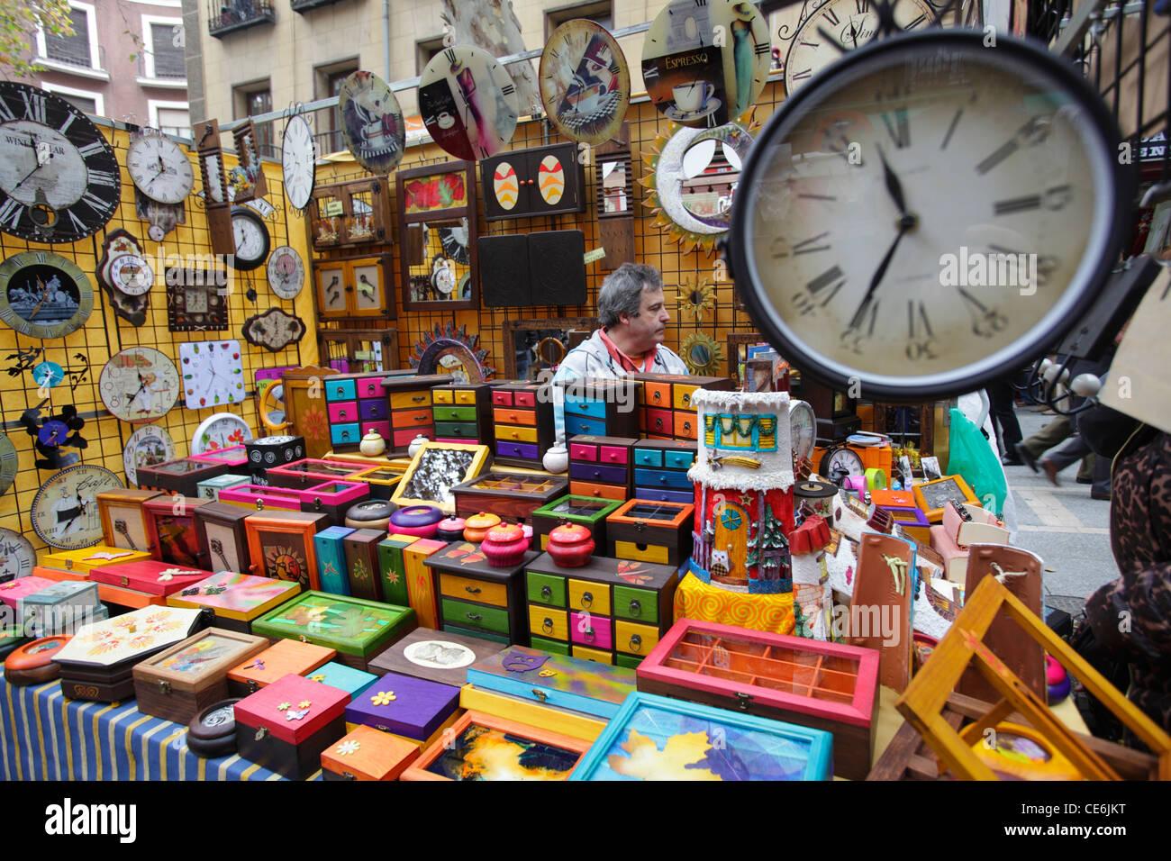 The market of el rastro madrid spain stock photo - El rastro del electrodomestico ...