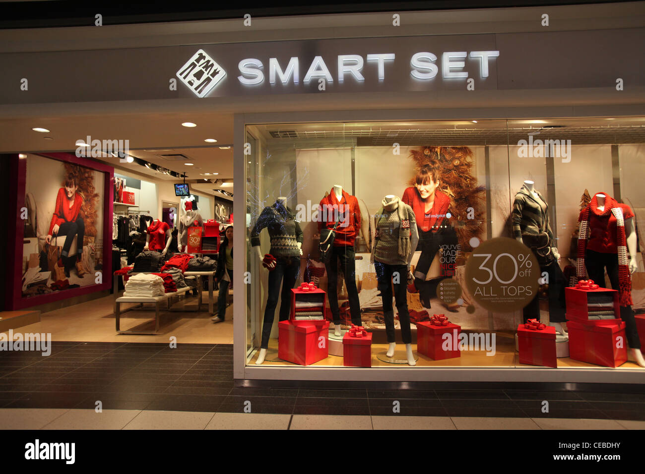 Smart set fashion clothes store in Eaton Center Toronto