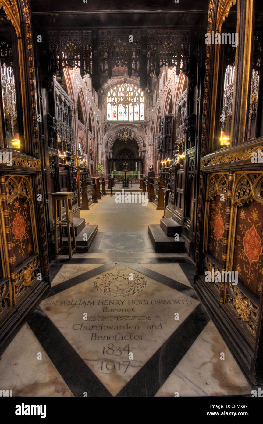 Manchester Cathedral interior,Manchester City,Lancs Lancashire,England,UK,Sir,William,Henry,Houldsworth,Baronet,Churchwarden,and,benefactor,1834,1917,gravestone,grave,stone,marble,wide,view,wideangle,angle,lens,screens,gotonysmith,Buy Pictures of,Buy Images Of