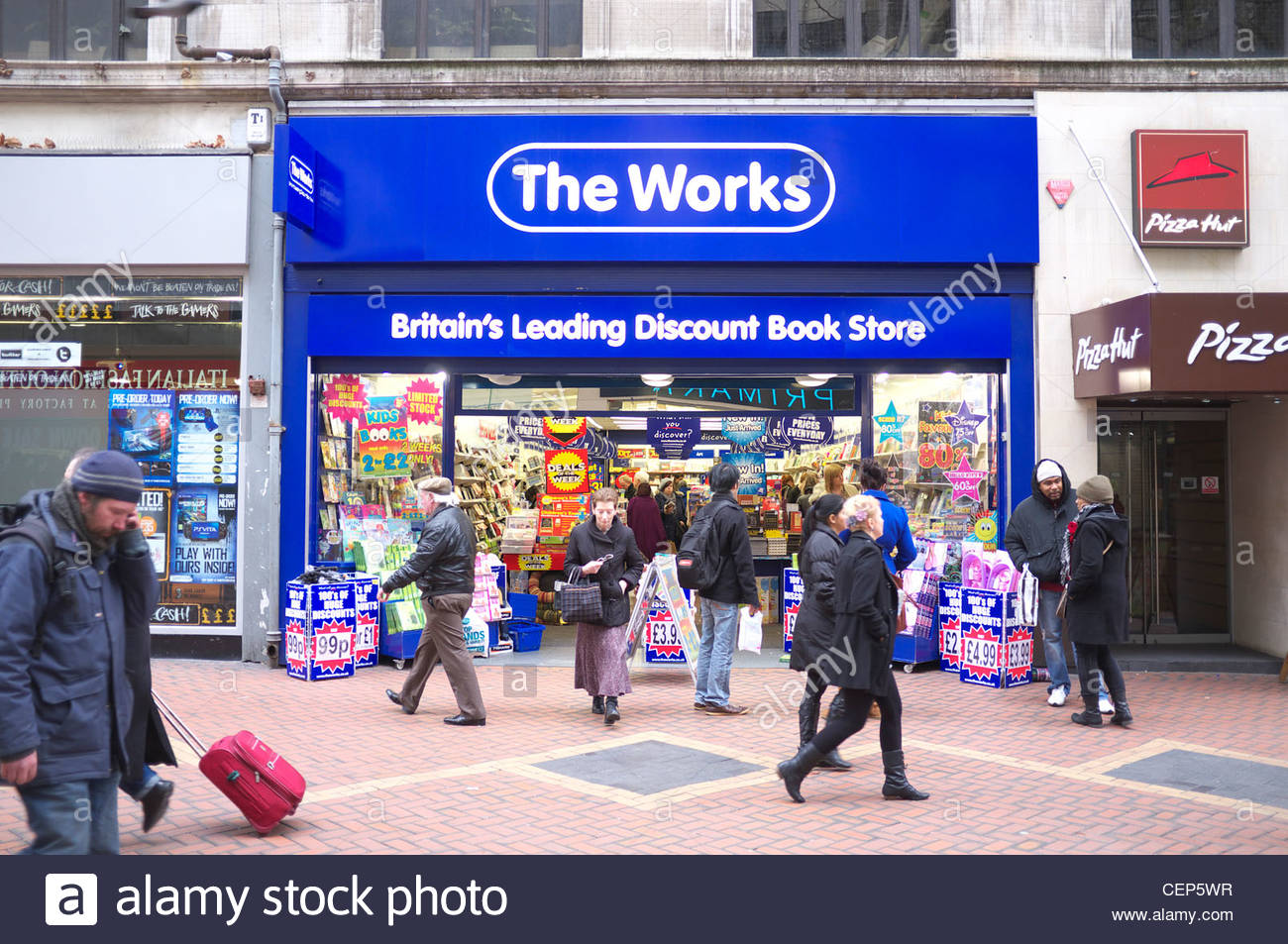 the-works-discount-book-chain-store-new-street-birmingham-uk-CEP5WR.jpg