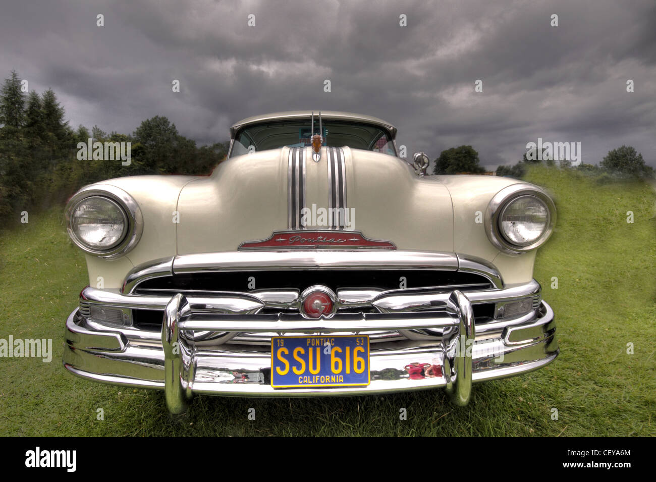 White,Pontiac,American,Classic,Car,/,Automobile,SSU616,SSU,616,1953,Pontiac,Custom,Catalina,Coupe,8,eight,cylinders,cyl,cylinder,gotonysmith,Style,#,2537SD,#2537SD,SSU 616,gotonysmith,Buy Pictures of,Buy Images Of