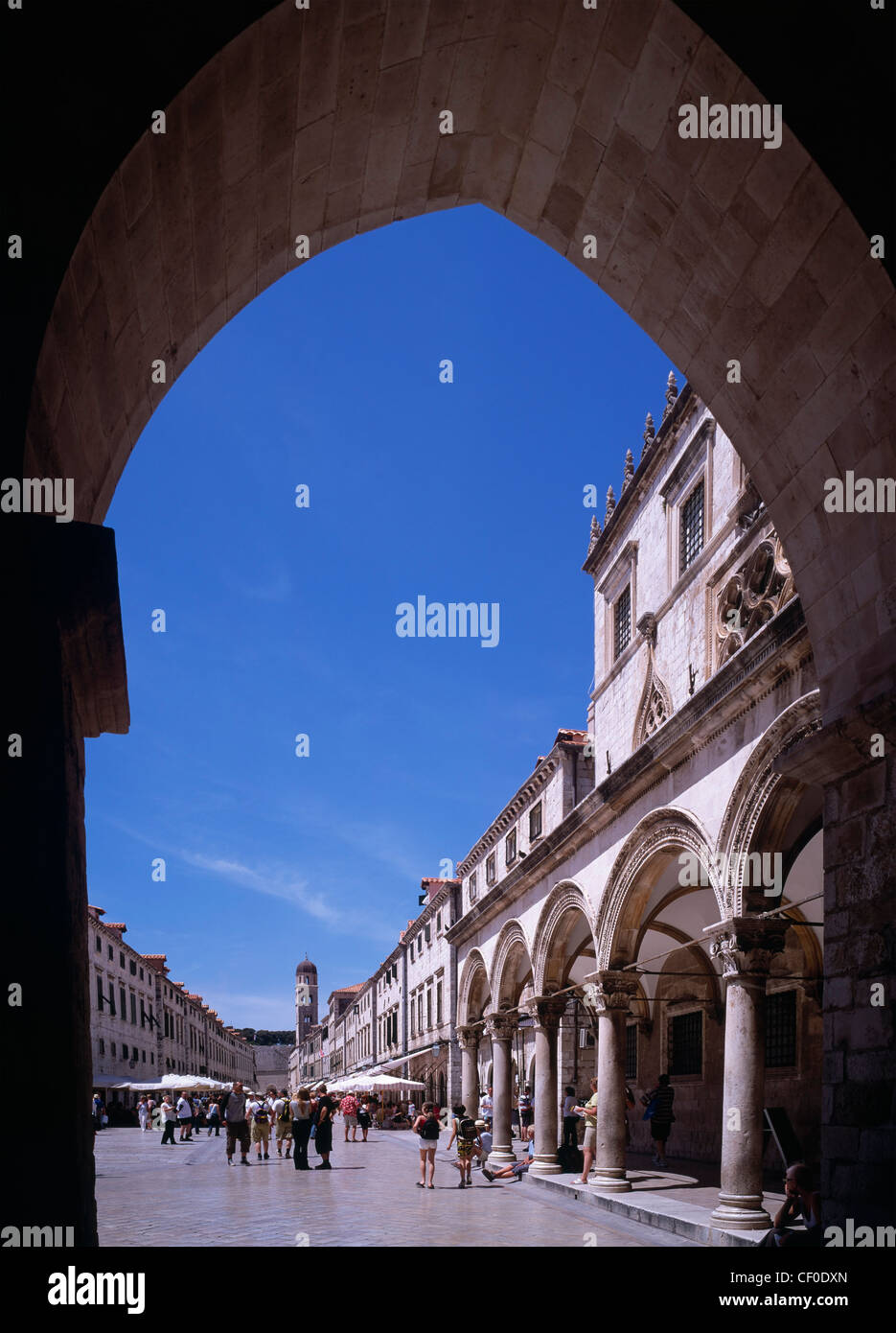 Sponza Palace and the Placa (Stradun), Dubrovnik, Dalmatia, Croatia. A UNESCO Cultural World Heritage Site. - Stock Image