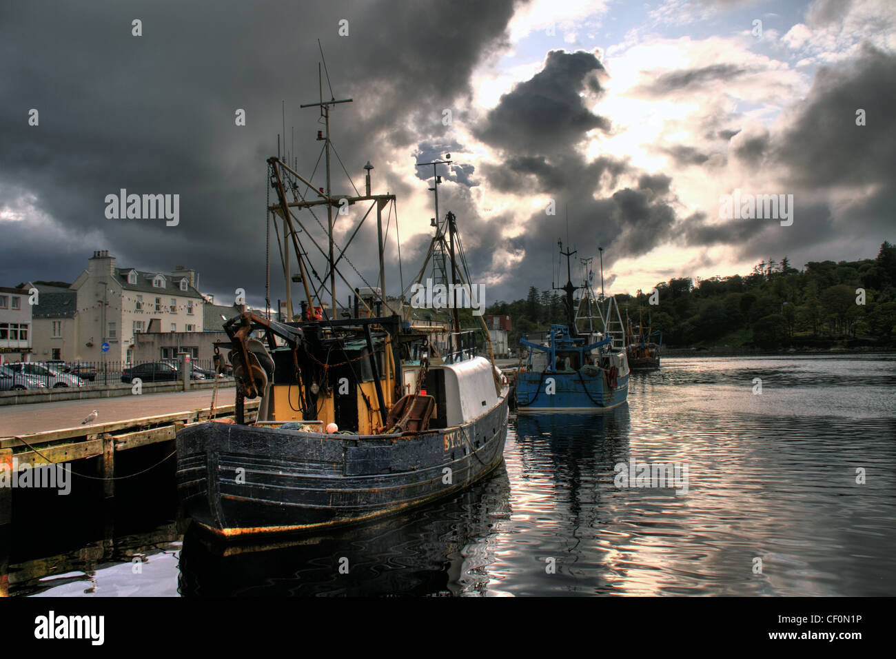 Comhairle,nan,Eilean,Siar,gotonysmith,Traditional,fishing,boats,dramatic,sky,in,Stornoway,harbour,Western,Isles,Scotland,United,Kingdom,UK,GB,great,Britain,castle,bay,CNES,Outer,Hebrides,Viking,Harbour,maritime,industry,sailors,sailor,gotonysmith,EU,Fishing,quota,Brexit,freedom,British,waters,territory,territorial,rights,borders,border,sovereignty,Steòrnabhagh,Na h-Eileanan Siar,Western Isles,Leòdhas,Eilean,CNES,Alba,Buy Pictures of,Buy Images Of,territorial waters,Eilean Leòdhais,Stornoway town