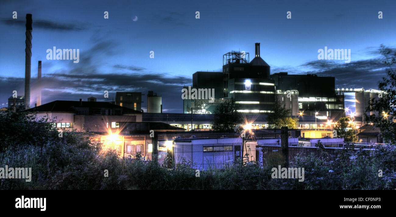 Lever chemical factory soap powder at night,Bank Quay,Warrington,Cheshire,England,UK,gotonysmith,dusk,night,evening,blue,old,Joseph,Crosfield,works,and,sons,building,Brunner,Mond & Company leverbrothers brothers Unilever,Environmental impact eco industrial plant,gotonysmith,Warringtonian,Buy Pictures of,Buy Images Of