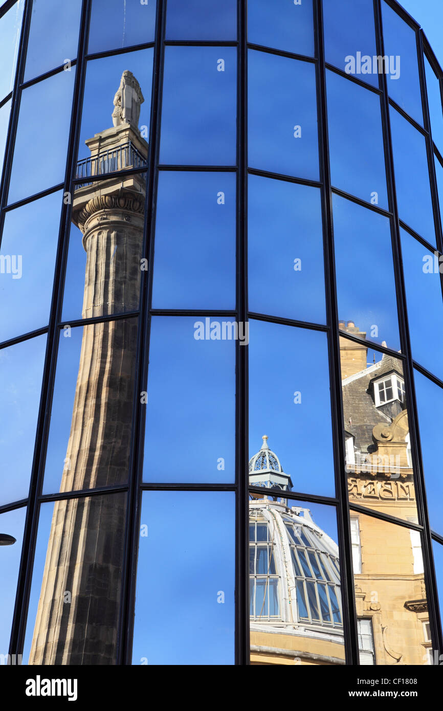 greys-monument-reflected-in-the-windows-