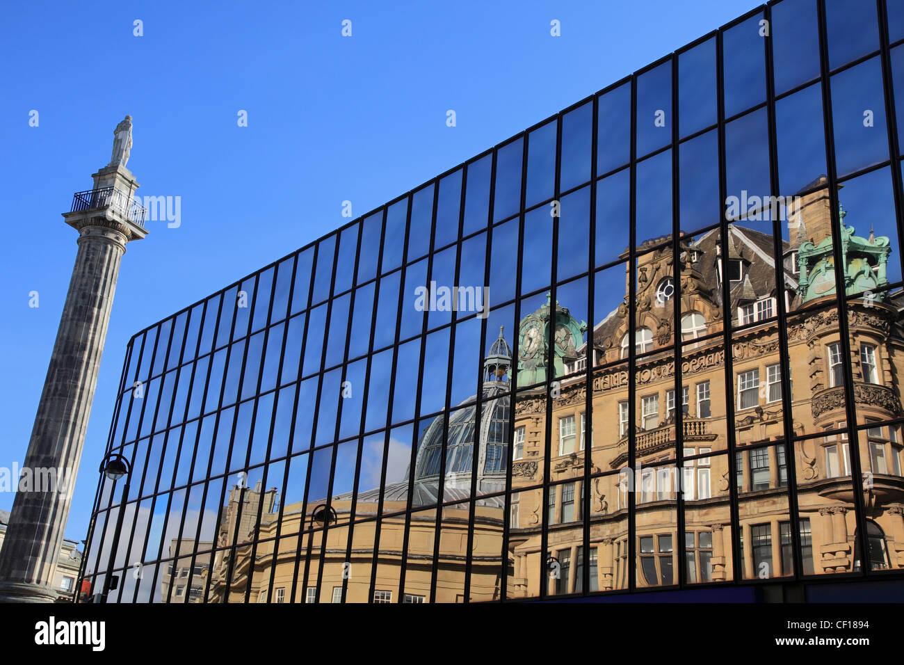 greys-monument-and-buildings-reflected-in-windows-blackett-street-CF1894.jpg