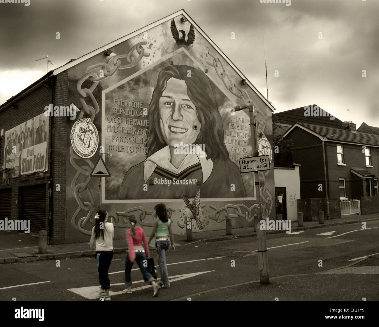 Sinn,Fein,office,Belfast.,Bobby,Sands,starved,himself,to,death,in,prison,as,part,of,the,campaign,to,obtain,Mural,Falls,Rd,Road,future children peace sharing good friday agreement catholics gotonysmith,rd,Falls Road,catholic,community,Belfast Catholic Comm,Political status,Falls Rd,Falls Road,Hotpix hotpixuk,gotonysmith,catholic,community,catholics,Buy Pictures of,Buy Images Of,Belfast Catholic Community