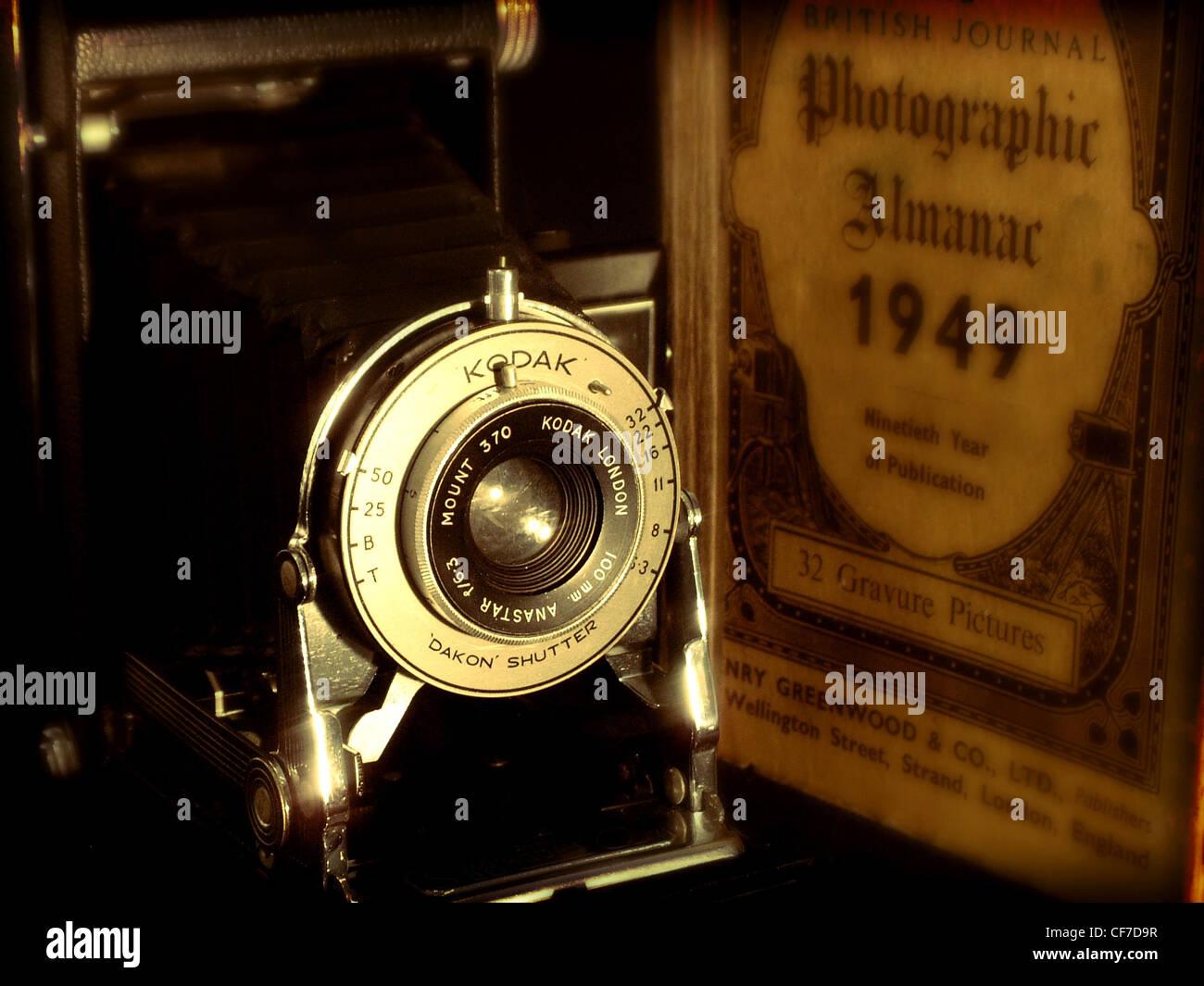 Kodak,brownie,camera,and,Photographic,Almanac,1949,old,vintage,shot,sepia,antique,made,in,england,britain,lens,shutter,gotonysmith,Dakon,shutter,british,photographers,gotonysmith,Buy Pictures of,Buy Images Of