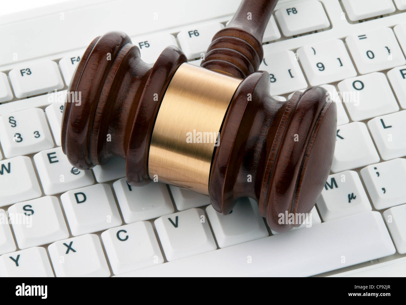 gavel and keyboard. legal certainty on the internet. webauktionen. - Stock Image