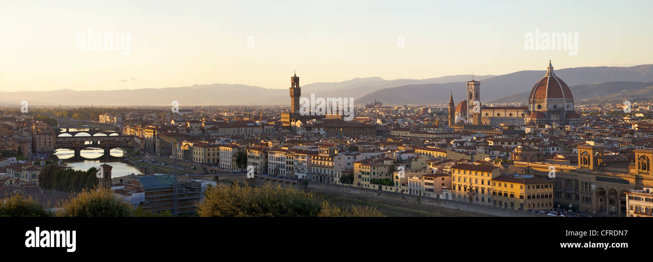 Panoramic view of Ponte Vecchio, Tuscany, Italy, Europe - Stock Image