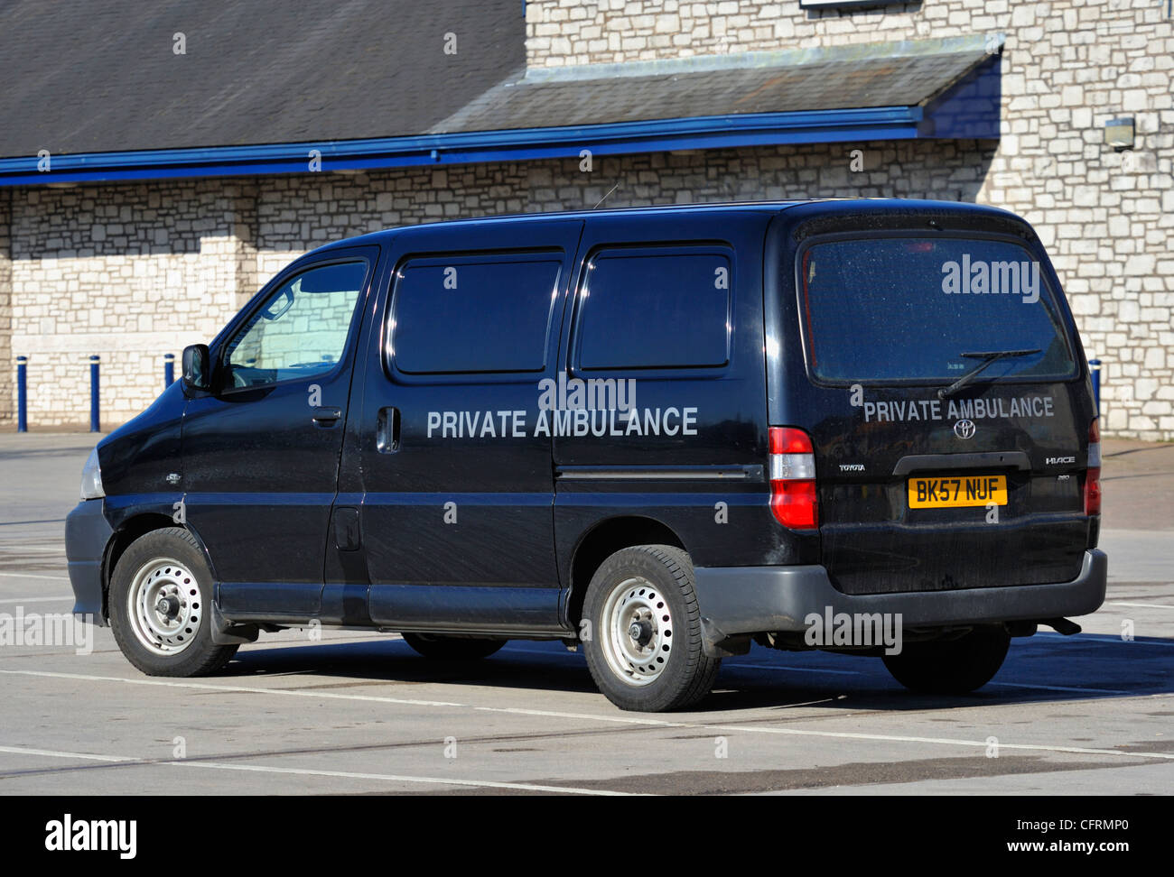 private-ambulance-the-old-showground-kendal-cumbria-england-united-CFRMP0.jpg